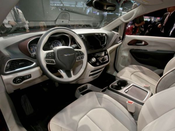 Chrysler 200 Mpg >> 2017 Chrysler Town & Country - Release date, Price & Specs